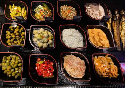 Salate und Antipasti